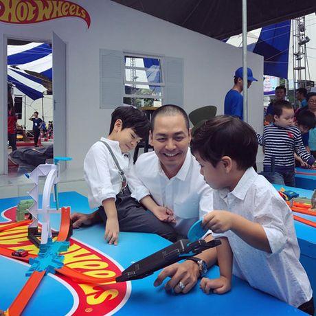 Vo dep, con xinh va cuoc song gia dinh hanh phuc cua MC Phan Anh - Anh 14