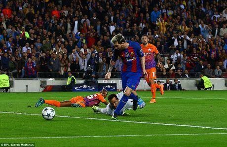 Champions League: Arsenal, Barca va Bayern dua nhau huy diet doi thu - Anh 1