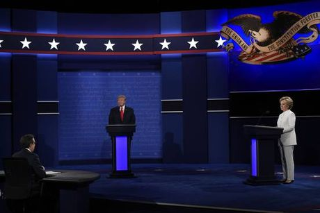 Truc tiep cuoc tranh luan tay doi cuoi giua ong Trump va ba Clinton - Anh 1