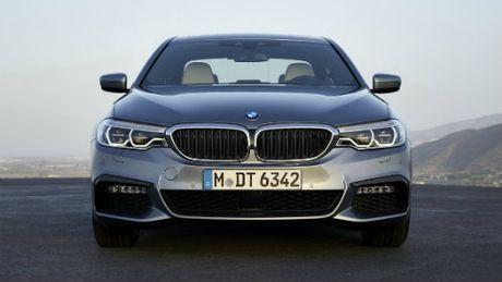 BMW 5-Series va Mercedes Benz E-Class: Ai bao hon ai? - Anh 4