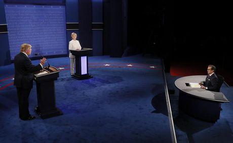 Trump - Clinton song dau lan cuoi: Cong kich nhau la con roi cua Nga - Anh 2