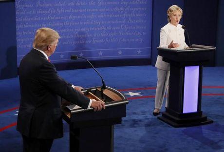 Trump - Clinton song dau lan cuoi: Cong kich nhau la con roi cua Nga - Anh 3
