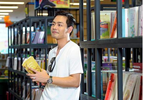 Khong dien vest, MC Phan Anh van 'soai ca' nhu thuong - Anh 12
