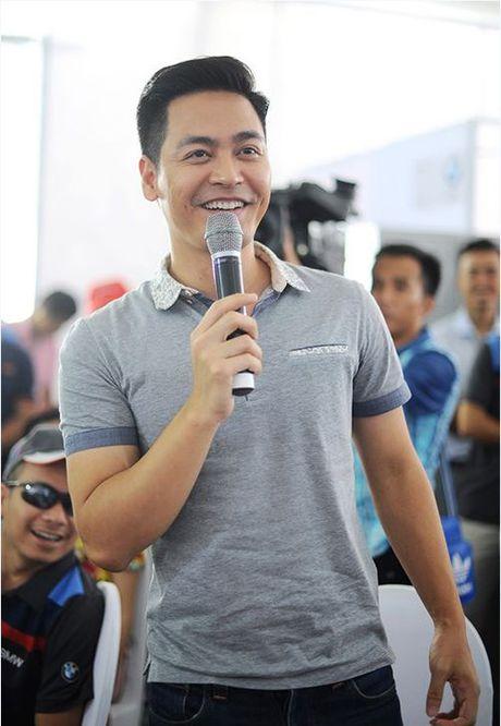 Khong dien vest, MC Phan Anh van 'soai ca' nhu thuong - Anh 15