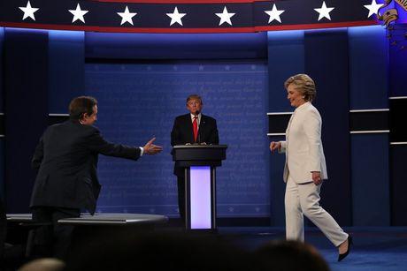 Clinton danh bai Trump bang chinh 'don' cua doi thu - Anh 2