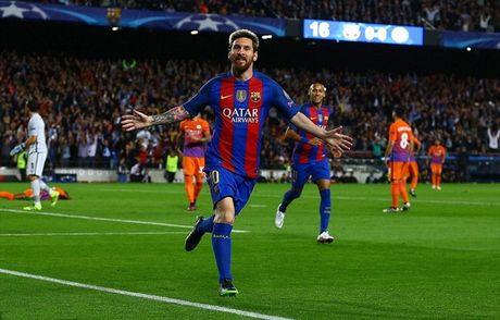 Messi lap hattrick, Bravo nhan the do, Pep Guardiola tiep tuc nhan trai dang trong ngay tro ve - Anh 1
