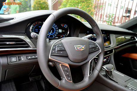 Can canh sedan tien ty Cadillac CT6 moi tai Sai Gon - Anh 10