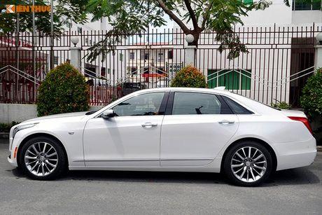 Can canh sedan tien ty Cadillac CT6 moi tai Sai Gon - Anh 2