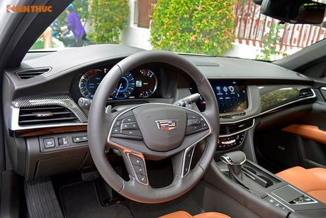 Can canh sedan tien ty Cadillac CT6 moi tai Sai Gon - Anh 9