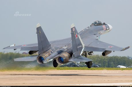 Anh 'nong' Nga day Trung Quoc lai tiem kich Su-35 - Anh 10