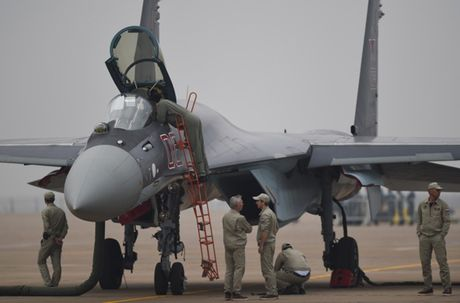 Anh 'nong' Nga day Trung Quoc lai tiem kich Su-35 - Anh 12