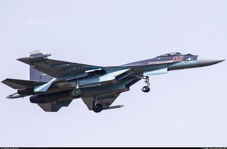 Anh 'nong' Nga day Trung Quoc lai tiem kich Su-35 - Anh 3