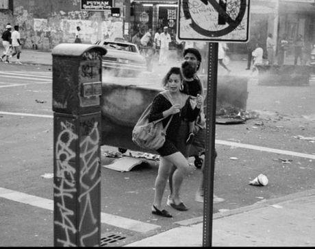 Hinh anh thanh pho New York hoi nhung nam 1990 - Anh 1