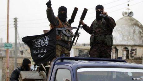 Mat tran Al-Nusra ban dan thuong muon chay khoi Aleppo - Anh 1