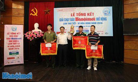 Tong ket Giai chay Bao Hanoimoi mo rong lan thu 43 - Vi hoa binh nam 2016 - Anh 1