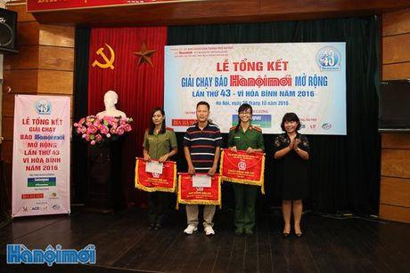 Tong ket Giai chay Bao Hanoimoi mo rong lan thu 43 - Vi hoa binh nam 2016 - Anh 5