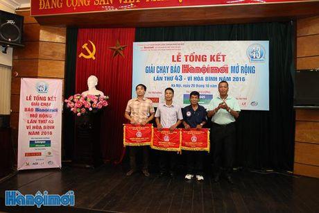 Tong ket Giai chay Bao Hanoimoi mo rong lan thu 43 - Vi hoa binh nam 2016 - Anh 6