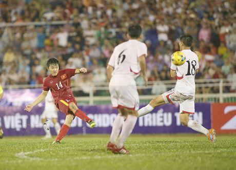 Tuyen Viet Nam dau FC Seoul: Kiem tra nang luc hang cong - Anh 3
