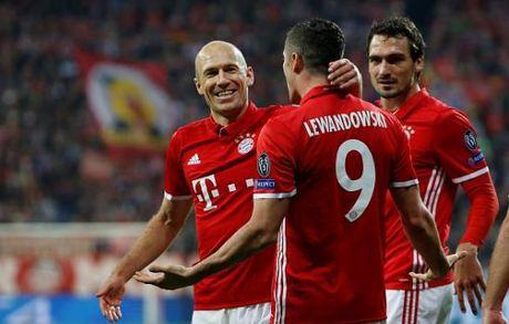 Lewandowski giai han, Bayern Munich thang dam PSV - Anh 1