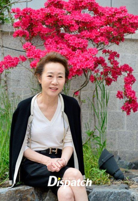 Style 'khong mang tuoi tac' cua nu dien vien U70 xu Han - Anh 8