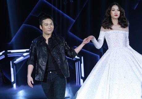 Hoa hau My Linh lan dau nhan loi catwalk tren san dien thoi trang - Anh 1