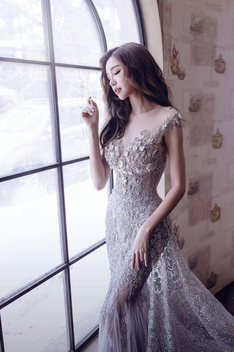Elly Tran dep nhu tranh voi duong cong ao dieu - Anh 3