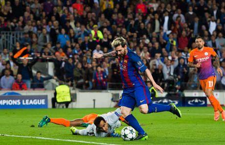 Messi lap hattrick mang ve chien thang cho Barcelona - Anh 1