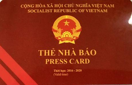 Thu hoi the nha bao doi voi 1 phong vien bao Nong thon Ngay nay - Anh 1