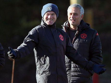 """Chuan bi Europa League, Rooney hoc """"danh lon"""" - Anh 3"""