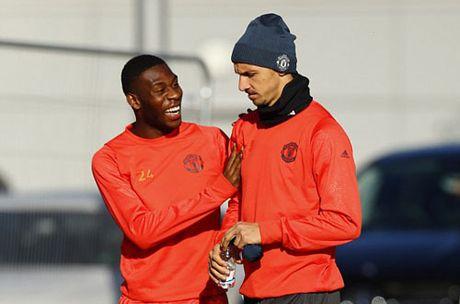 """Chuan bi Europa League, Rooney hoc """"danh lon"""" - Anh 4"""