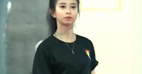 Hot-girl lang vo Chau Tuyet Van va noi niem 20/10 - Anh 1