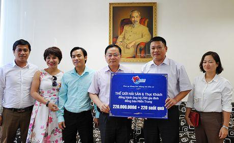 Tien Phong tiep nhan 220 trieu dong ung ho dong bao mien Trung - Anh 1