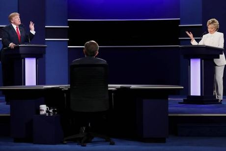 Toan canh cuoc so gang cuoi cung cua Hillary Cliton va Donald Trump - Anh 5