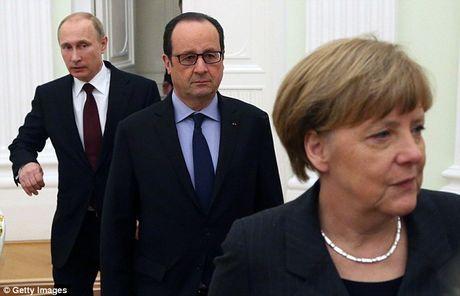 Putin, Merkel va Hollande 'dau khau' gay gat ve Syria - Anh 1