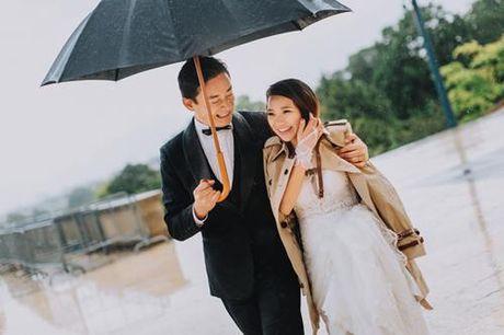 Chang giam doc Nhat cau hon co gai Ha Noi bang hon da - Anh 1