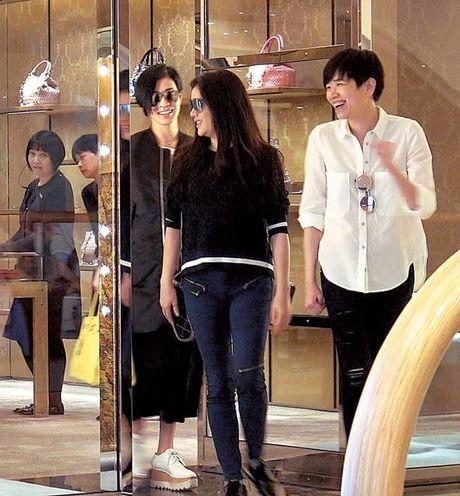 Ly Nha Ky tran ngap bao HongKong khi sanh buoc ben sao TVB Xa Thi Man - Anh 6