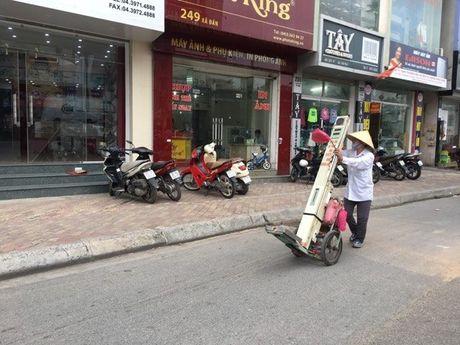 Nhung neo muu sinh cua phu nu noi thanh thi: Noi niem ai hieu? - Anh 2