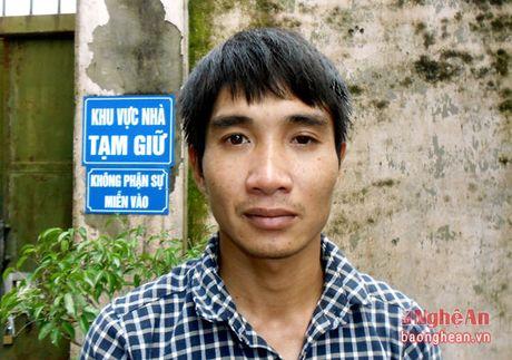 Vo khong nghe dien thoai, chong noi mau Chi Pheo dot tai san nha minh - Anh 1