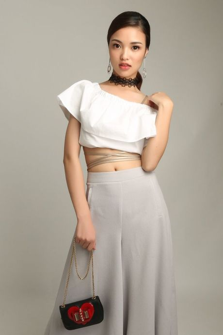 Miss Ngoi Sao Thoi Trang 360mobi: Ngoc Lan can dich voi vi tri quan quan, Linh Chi - Kim Chi xuat sac voi giai 2 va 3 - Anh 1