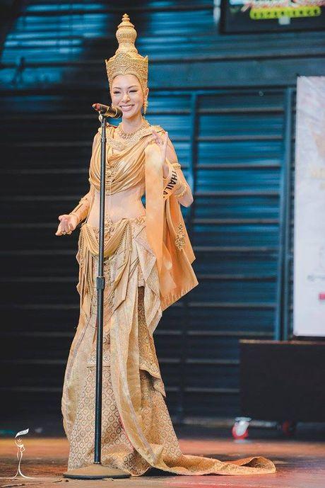 Nguyen Thi Loan xuat sac lot Top 3 trang phuc dan toc dep nhat Miss Grand International 2016 - Anh 3