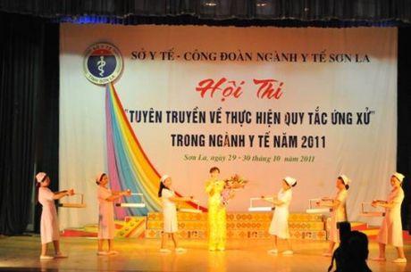 Ths. Bui Thi Hoa: Guong sang nu can bo nganh Y te Son La - Anh 2
