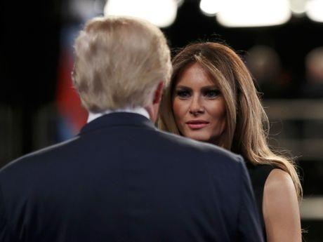 Ong Trump tuyen bo 'chang buon xin loi vo ' giua cuoc tranh luan tong thong - Anh 2