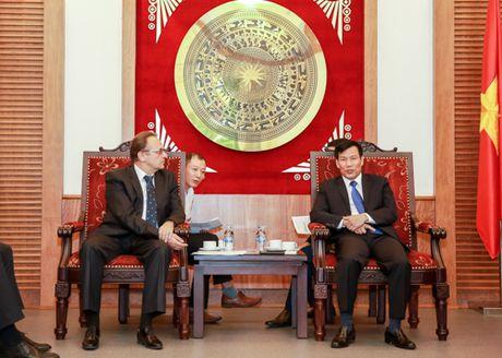 Bo truong Nguyen Ngoc Thien tiep Dai su Belarus - Anh 2