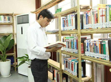 Mo phong doc doanh nhan tai Thu vien Tong hop TP.HCM - Anh 1