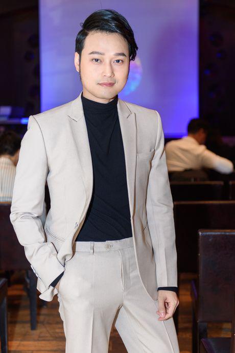 Huong Tram mac don gian den chuc mung Trinh Thang Binh - Anh 7