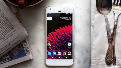 'Google Pixel tot khong kem iPhone' - Anh 1