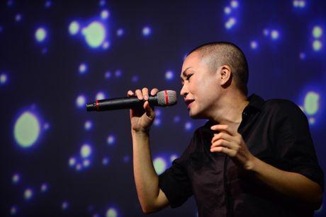 Ha Ho tu Quang Binh ve TP.HCM gop giong ung ho mien Trung - Anh 7