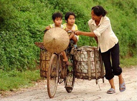 Nhung khoanh khac xuc dong ve nguoi me Viet Nam - Anh 8