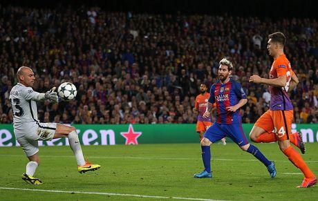 Messi lap ky luc trong tran Barca danh bai Man City - Anh 1