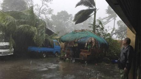 Sieu bao Haima quet qua Philippines, 7 nguoi chet - Anh 1